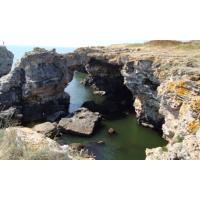 Тюленова пещера и Скалните манастири